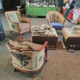 Loungemöbel aus Kaffeesäcken auf dem Upcycling Markt